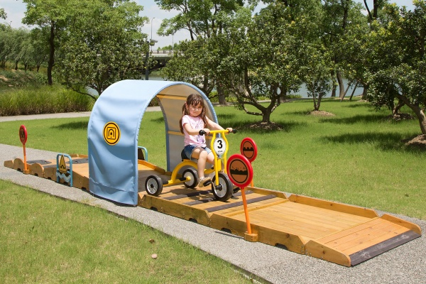 Large Outdoor Trike Obstacle Course